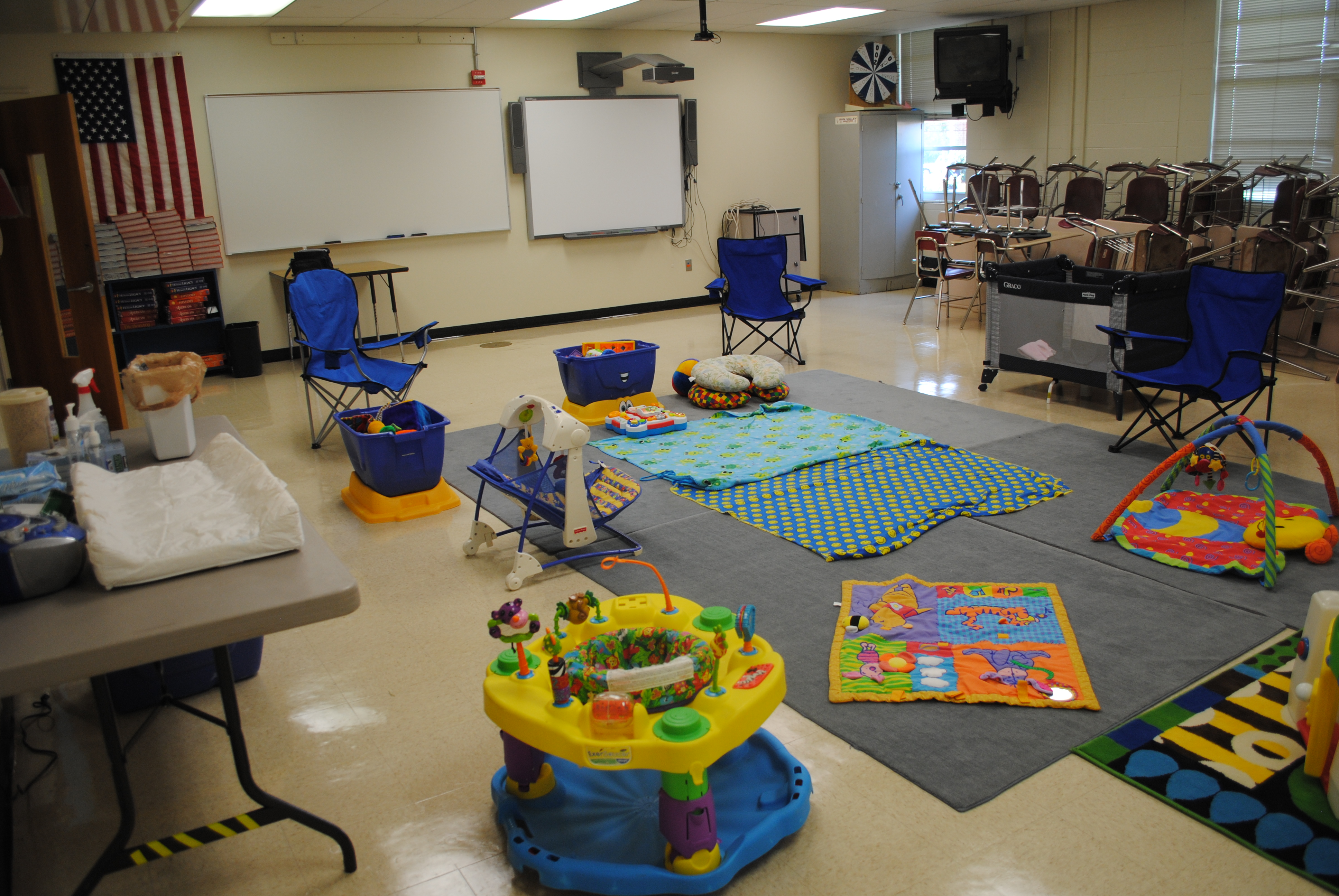 Children's Church Classroom Designs http://donnaharris.wordpress.com/tag/kids-church-portable/